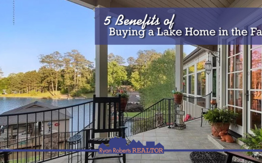 benefits of buying a lake home in the fall